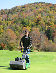 Student gains hands-on experience in golf course management