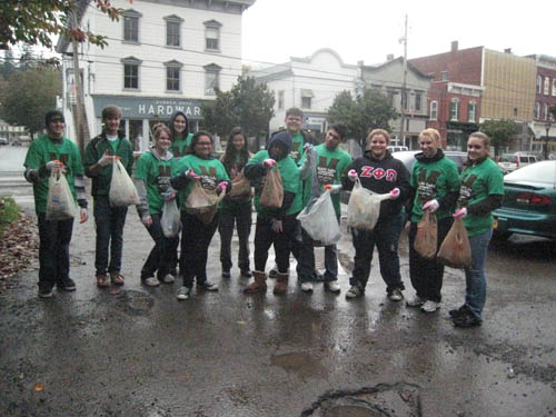 Group of Students do Litter Patrol CSD 2011